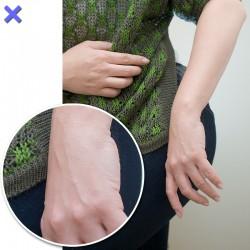 【ダメ写】手を下にした状態が長いと、血管が浮き出てしまいます。